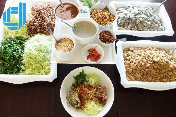 10 đặc sản nhất định phải thử khi du lịch cố đô Huế