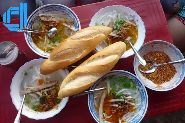Bánh canh ruộng - nét mộc giữa thị thành
