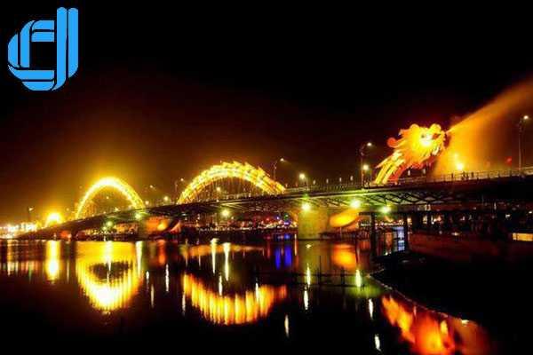 Tour Đà Nẵng du thuyền sông Hàn khám phá góc phố mới