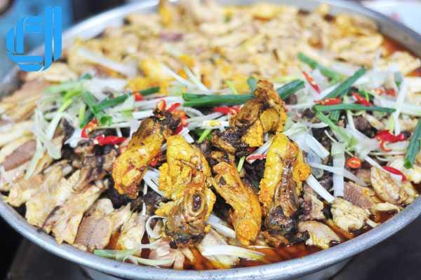 Bánh canh cá lóc Huế, hương quê giữa cố đô