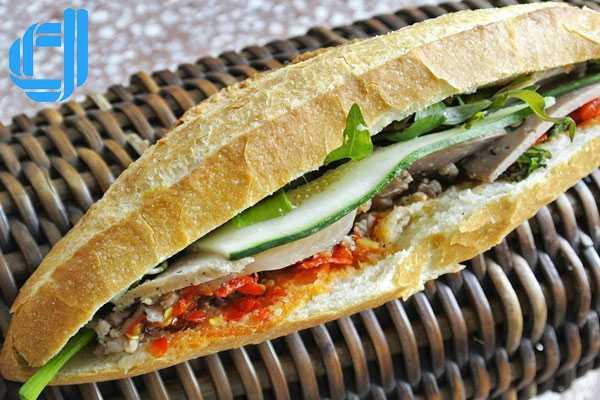 Bánh mì Hội An - đệ nhất bánh mì Việt