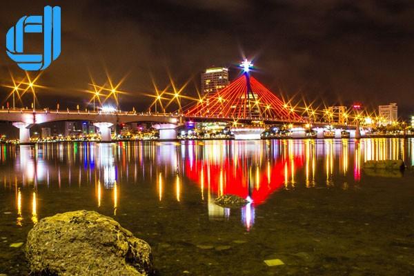 Cầu quay sông Hàn - biểu tượng thành phố trong lòng người xứ Đà.