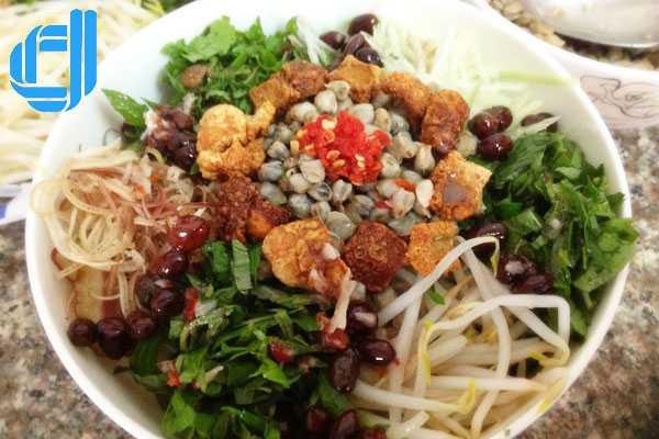 Cơm Hến, món ăn dân dã miền sông Hương