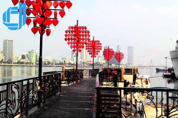 Địa chỉ cầu tàu tình yêu Đà Nẵng điểm hẹn du lịch Đà Nẵng cho 2 người