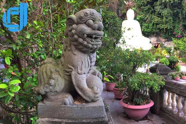 Du lịch Hà Nội Đà Nẵng nhất đinh phải viếng thăm chùa Linh Ứng Tự