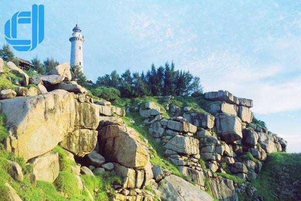 Du lịch phú yên giá rẻ thiên đường nhỏ rêu phủ đá xanh ở xóm Rớ