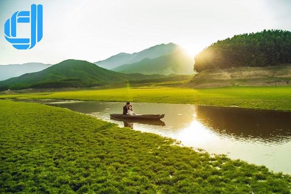 Hồ Hòa Trung thiên đường selfie cho giới trẻ Đà Thành
