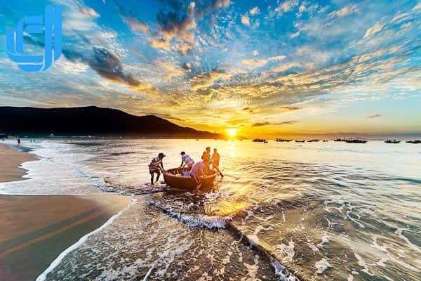 Những bãi biển đẹp tại Đà Nẵng hè này nhất định bạn đừng bỏ qua