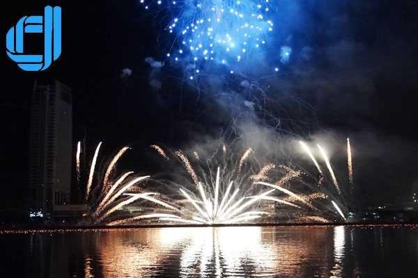 Tour du lịch Đà Nẵng xem pháo hoa lễ 30/4 3 ngày 2 đêm - D2tour